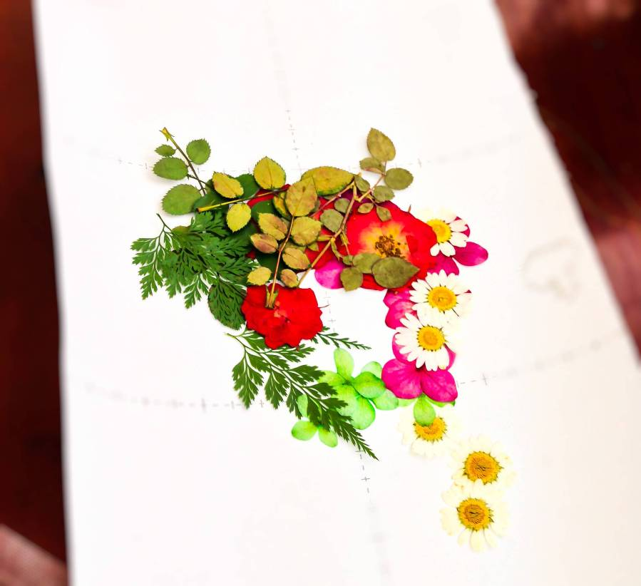 Korean pressed flower art (압화공예)