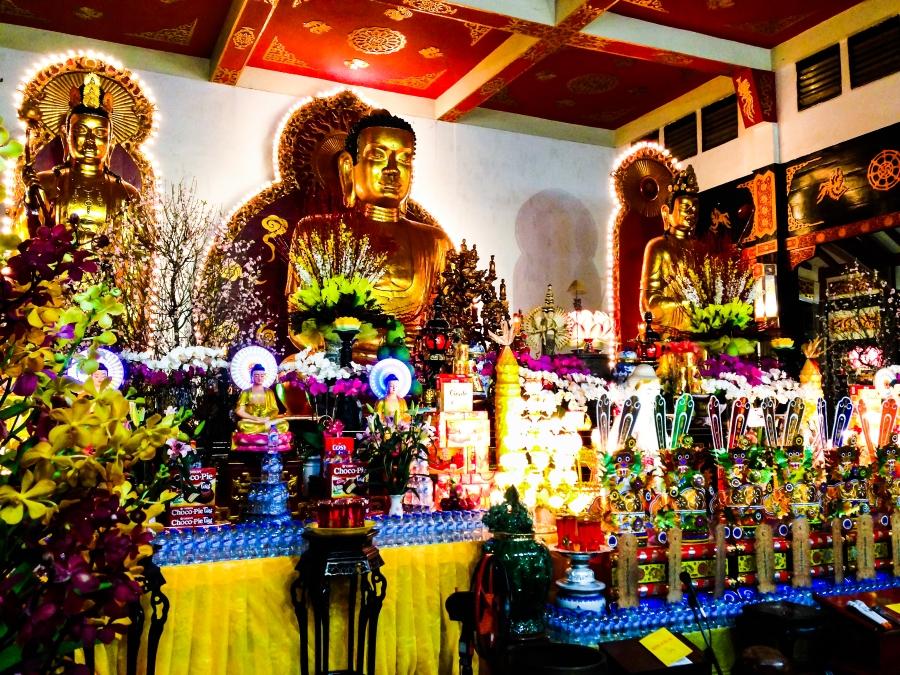 Vĩnh Nghiêm pagoda atnight